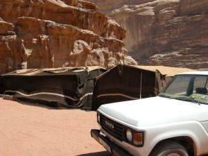 campo tendato nel Wadi Rum (Giordania)