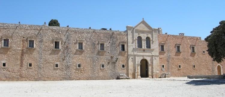 facciata esterna Moni Arkadi a Creta (Grecia)