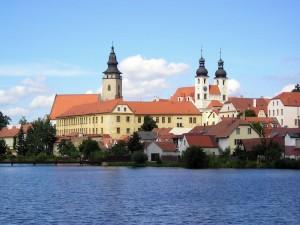 veduta di Telc dal lago (Repubblica Ceca)