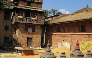 per le vie di Bungamati (Nepal)