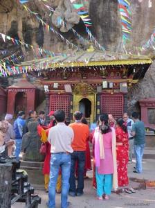 rito al Tempio di Shesh Narayan (Pharping, Nepal)
