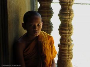 giovane monaco (Angkor Wat, Cambogia)