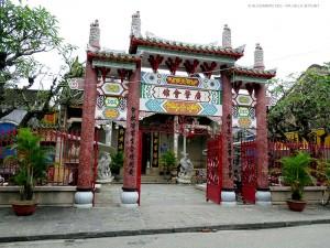 ingresso della sala assembleare Quang Trieu (Hoi An, Vietnam)