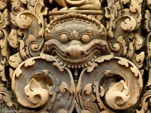 Banteay Srei, bassorilievo (Siem Reap, Cambogia)