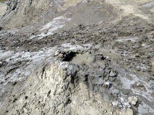 camino del vulcano di fango (Qobustan, Azerbaijan)