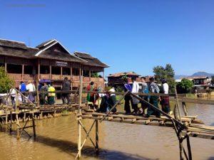canale nei pressi del tempio Phaung Daw Oo Paya (Lago Inle, Myanmar)