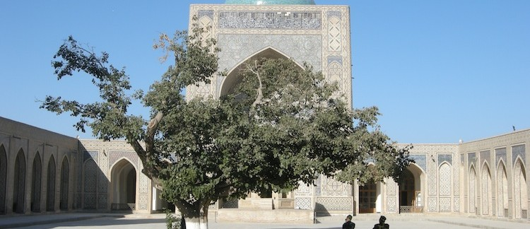 il cortile interno della Medressa di Mir-ir-Arab (Bukhara, Uzbekistan)