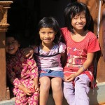 bimbe per le vie di Bungamati (Nepal)