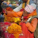 applicazione del tika (Dukshinkali, Nepal)