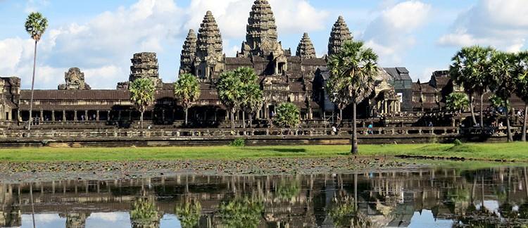l'Angkor Wat (Cambogia)